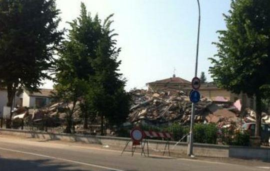 italian earthquake 29/5/2012 modena cavezzo